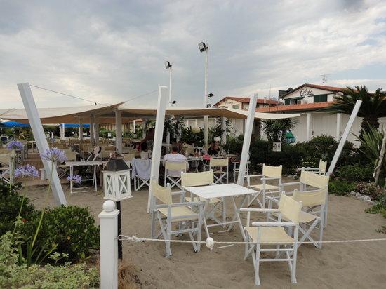 outdoor seating - Foto di Gilda, Forte Dei Marmi - TripAdvisor