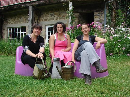 Au Char a Bancs: les trois soeurs LAMOUR