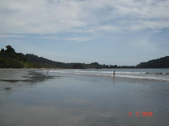 Hotel Karahe: La playa del hotel