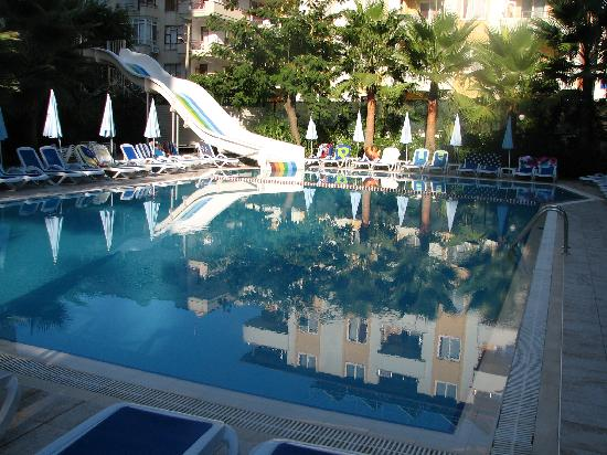 Margarita Aparthotel: Main pool