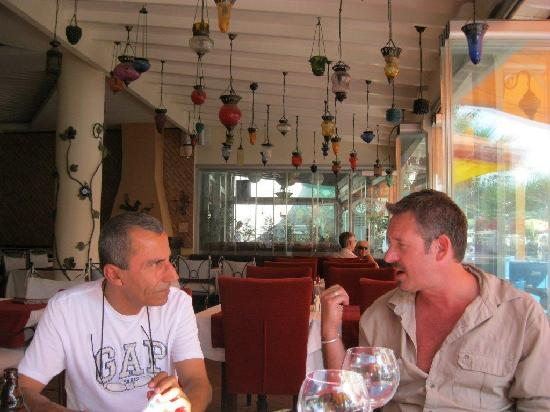 Magnaura fusion restaurant: House of 100 lanterns