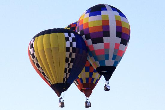 Longview, TX: Balloons Pilots Compete for accuracy and points
