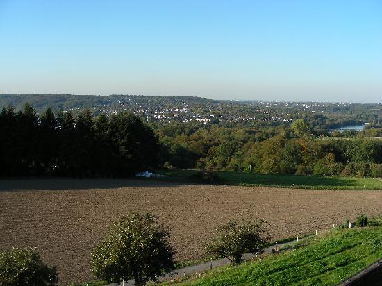 Hotel Pension Casino Rehmannshof : Blick Richtung Baldeneysee, view towards Lake Baldeney