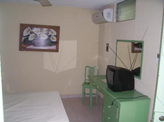Aventura Hotel: Habitación Sencilla 2
