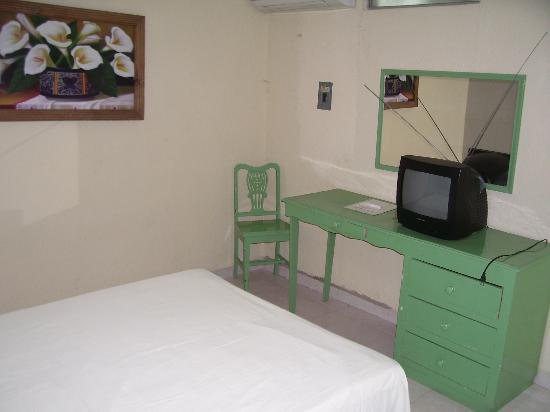 Aventura Hotel: Habitación Sencilla 3