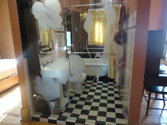 Hotel Frederick How This For A Quaint Bathroom