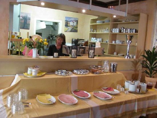 Hotel Alte Post: breakfast buffet