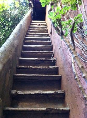 Casa Mexilio Guest House: don't climb these!