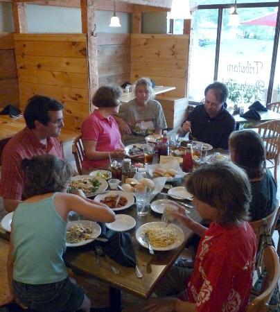 Tributary Restaurant: Kids felt welcome, too
