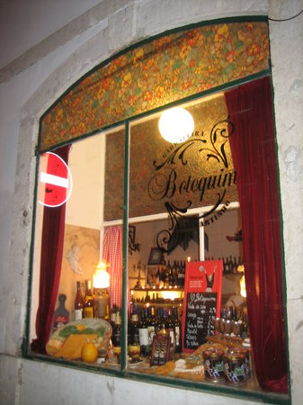Restaurante Seducao: bar en el que podéis hacer tiempo tomando un vino