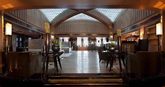 Key Hotel: Lobby Bar & Library