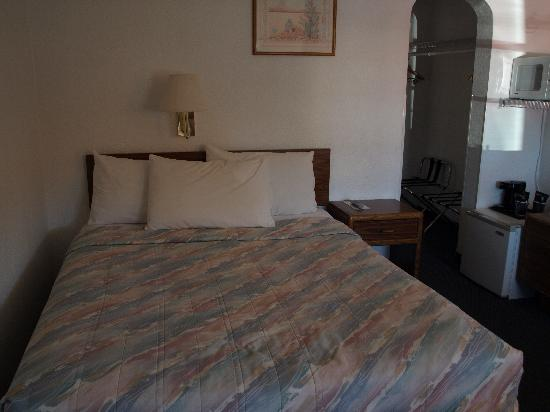 Hills Inn : Bedroom