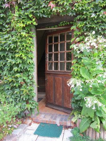 Au Bon Marechal : Entry to our rooms