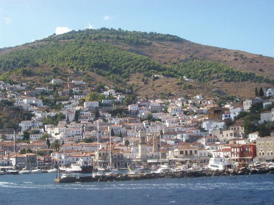 Piteoussa Guest House: vue port Hydra