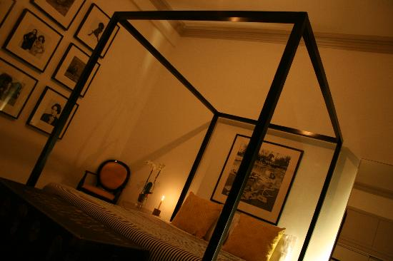 Royal Mile Mansions: Bedroom