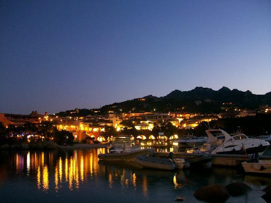 Порто-Черво, Италия: Vespro a Porto Cervo