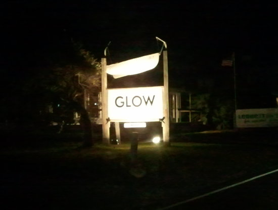 Glow: sign