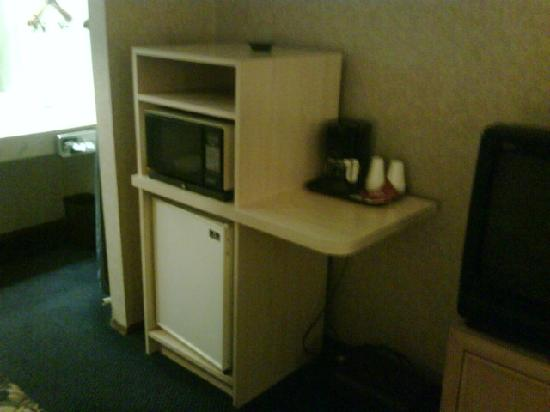 Americas Best Value Inn: America's Best Value Inn -San Carlos -Refrigerator-Microwave