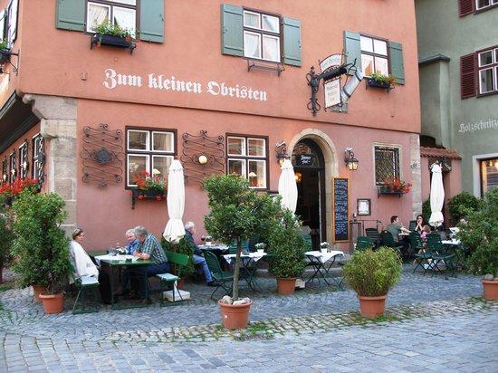 Zum Kleinen Obristen: from the street