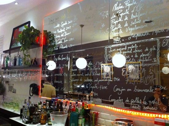 Interior picture of la pepita barcelona tripadvisor - La mano sullo specchio ...