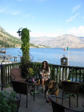 Kelly's Resort on Lake Chelan: Deck by main building