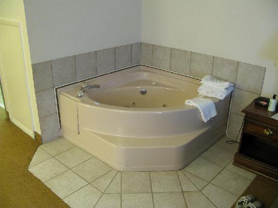 Quality Inn Brookville: Jacuzzi Room