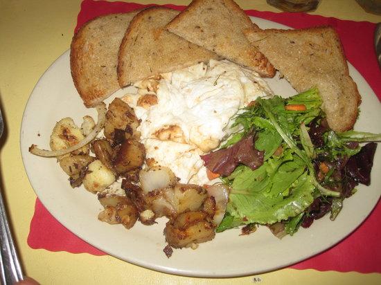 Maggie's Krooked Cafe & Juice Bar : Breakfast - scrambled eggs, potatoes, rye toast