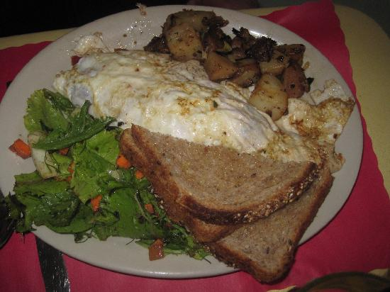 Maggie's Krooked Cafe & Juice Bar : Huevos Rancheros.