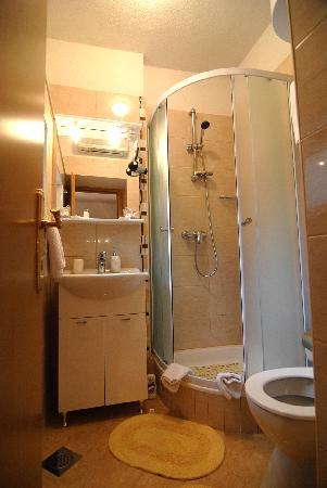 Carrara Accommodation: Room 3* - Bathroom