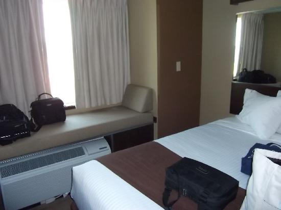 Microtel Inn & Suites by Wyndham Breaux Bridge: Window seat