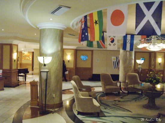Kalahari Sands Casino: Lobby at the Kalahari. The casino was to the right. Try to take a photo of the entrance and risk