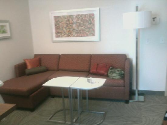 SpringHill Suites Columbus OSU: stitting area