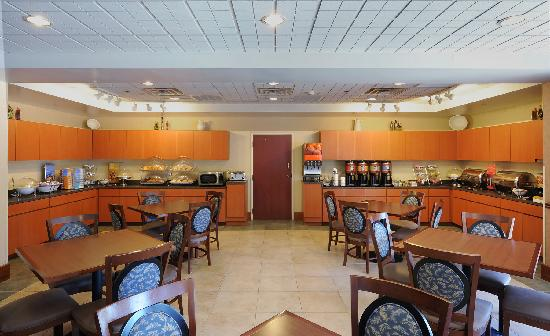Hampton Inn Gaffney: Hotel dining area