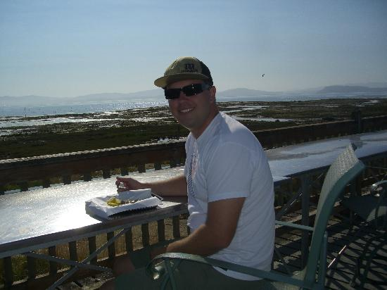 Oysterville, WA: Eating Oysters on Willapa Bay