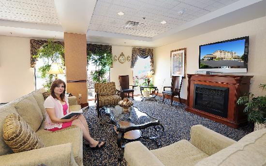 Hampton Inn Gaffney: Hotel Lobby