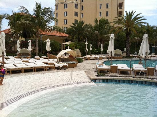Turnberry Isle Miami, Autograph Collection: Pool again