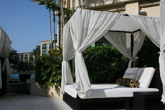 Palazzo Versace: Adults only cabanas