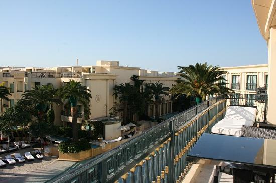 Palazzo Versace: Looking North towards the pool