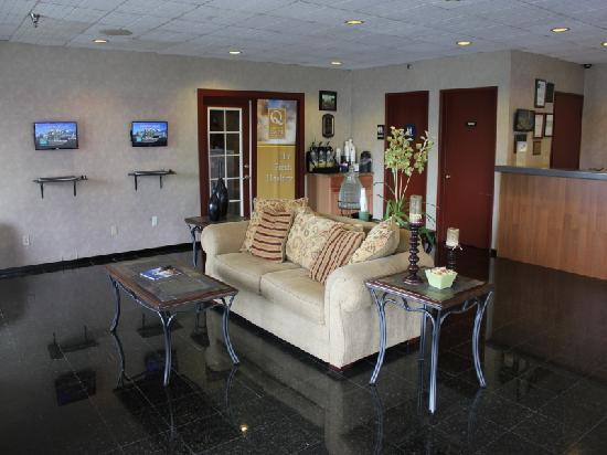 Quality Inn Wine Country: Quality Inn Temecula Lobby