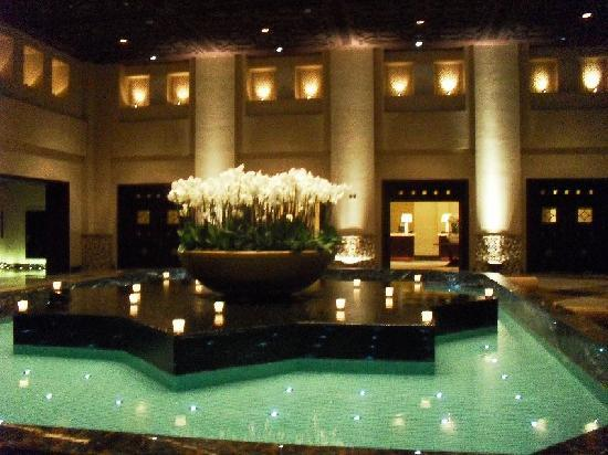 Grand Hyatt Doha Hotel & Villas: Entrance area