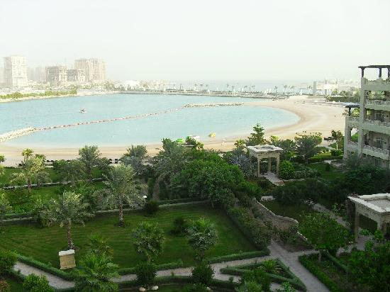 Grand Hyatt Doha Hotel & Villas: View from 5th floor room