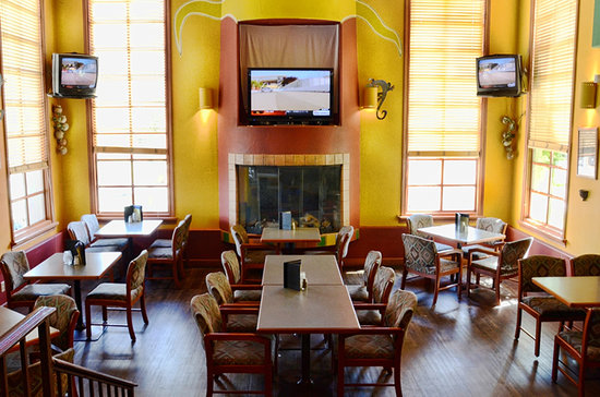 Ridge Brewing Company Pub & Restaurant: Main dining room