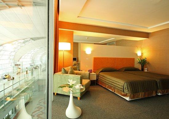 Photo of Suvarnabhumi Airport  Dayrooms and showers Bangkok
