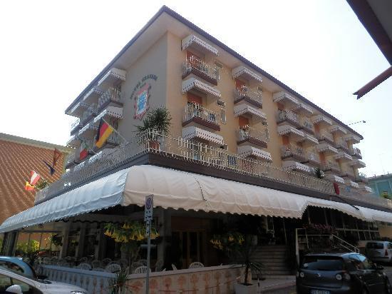 Hotel Granada: vista esterna