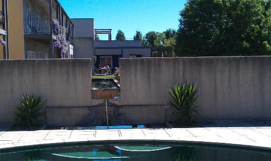 Lindenwarrah: From the pool area