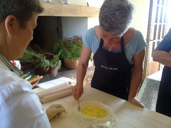 Decugnano Dei Barbi Cooking Class: Making fresh pasta!