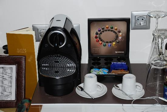 The Excelsior: Espresso service in the room