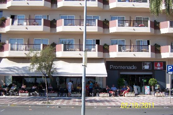 Cafe bar picture of aqua hotel promenade pineda de mar for Restaurant pineda de mar