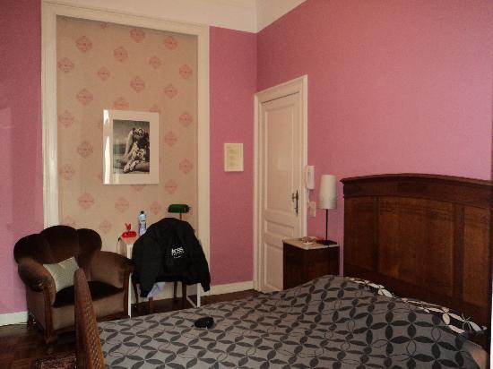 Dame de Carreau: Habitacion rosa