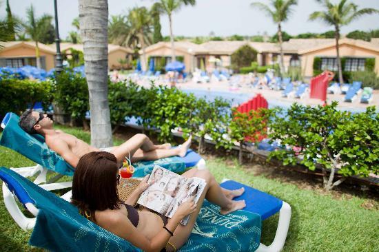 Dunas Maspalomas Resort: View to the  Pool